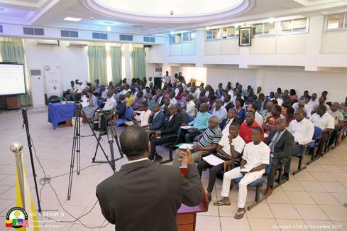 Gabriel Dégbègni, le Coordonnateur national du MCA-Bénin II, devant les opérateurs économiques de la CCIB