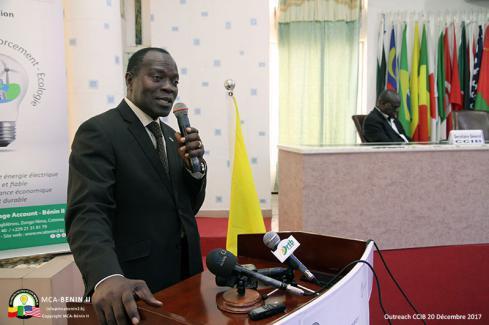 Gabriel Dégbègni, Coordonnateur national du MCA-Bénin II, présentant sa communication à la CCIB